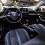 Peugeotev i-Cockpit zdaj že dobro poznamo, je pa skozi generacije doživel kar nekaj sprememb. (foto: Saša Kapetanovič)