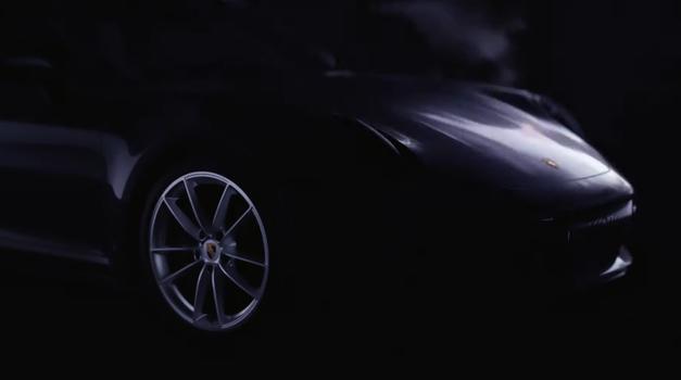 Porsche 911 Targa tudi v novi generaciji ohranja prepoznavnost predhodnika (foto: Youtube: Porsche)