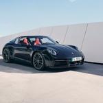 Nemški športnik odvrgel zgornjo 'krpico' (foto: Porsche)