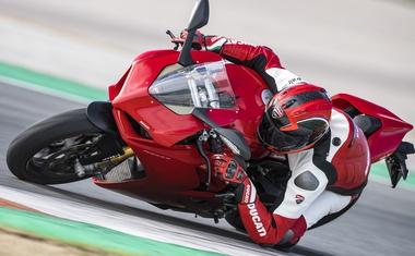 Ducati je pripravil dirkaški paket za Panigale V4