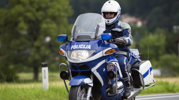 Pozor! V ponedeljek ponovno več policije na cesti (foto: Shutterstock)