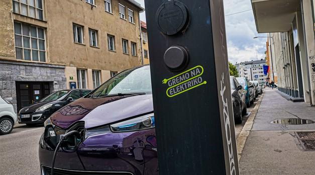 Električno omrežje v Sloveniji je na meji svojih zmogljivosti (foto: Jure Šujica)