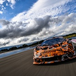 Lamborghinijeva dirkaška specialka še zadnjič pred predstavitvijo napenja mišice (video) (foto: Lamborghini)