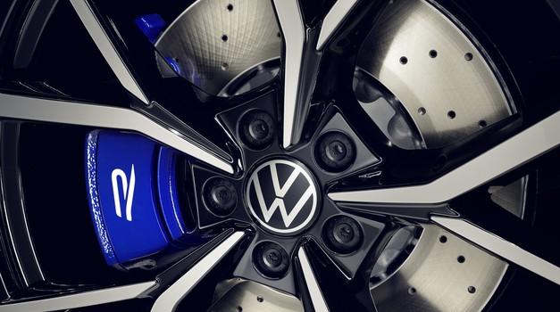 Tiguan gre po poteh Arteona (svetovna premiera) (foto: Volkswagen)
