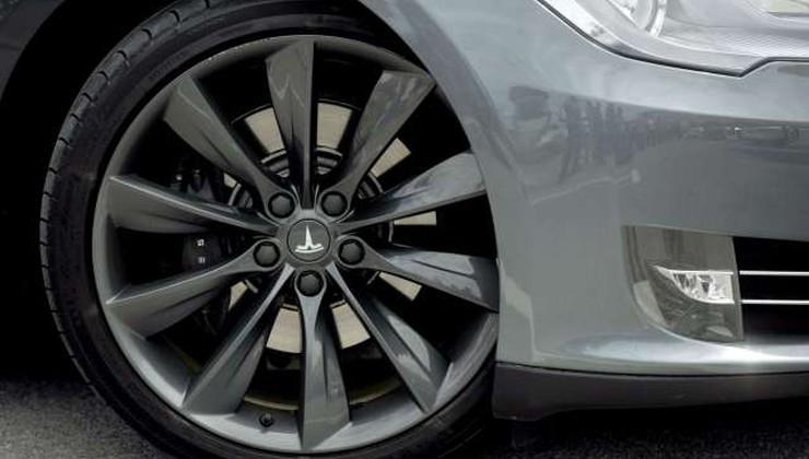 Tesla prehitel Toyoto kot tržno najbolj vredno avtomobilsko podjetje