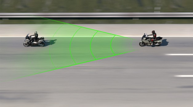 BMW-ju uspelo na videz nemogoče - to je tehnologija, ki so jo z avtomobila prenesli na motocikel (video) (foto: BMW)