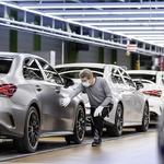 Aktualno Spremembe v avtomobilski industriji - Pandemija ali ekonomija (foto: Mercedes-Benz Ag - G Lobal Commu)