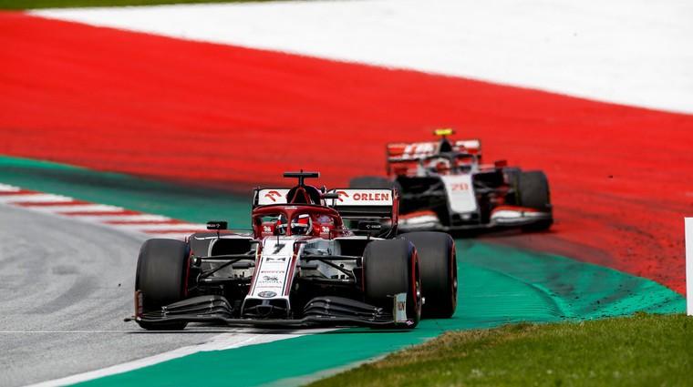 Formula 1: Mercedes sezono začel tam kjer jo je lani končal (komentar) (foto: Profimedia)