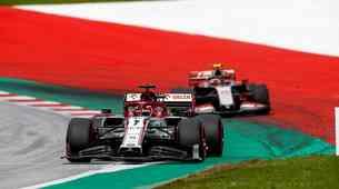 Formula 1: Mercedes sezono začel tam kjer jo je lani končal (komentar)