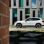 BMW i3 po sedmih letih dobiva brata križanca (svetovna premiera) (foto: BMW)
