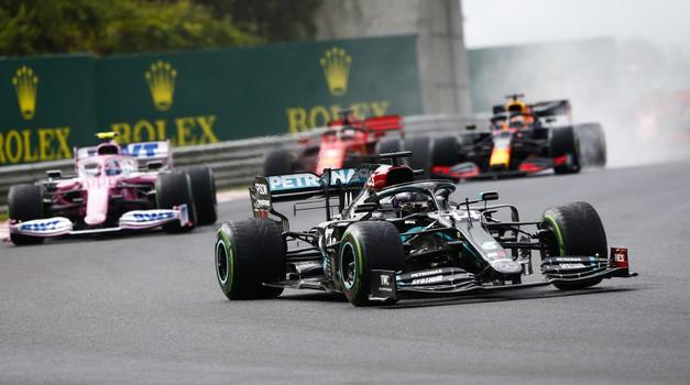 Formula 1, VN Madžarske - Ko Hamilton ne pozna usmiljenja (foto: Daimler AG)