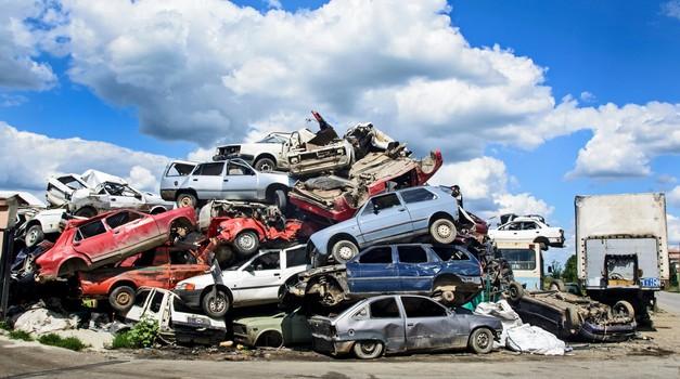 Srbija zaostruje zakonodajo, s cest vsak 20. avtomobil (foto: Profimedia)