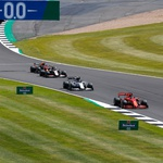 Formula 1 - Silverstone postaja Hamiltonstone, pa čeprav po treh kolesih (foto: Profimedia)