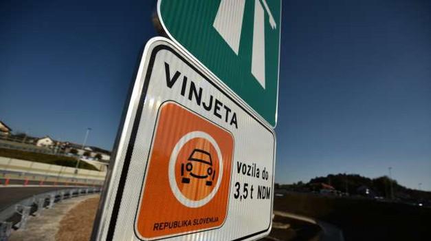 V sedmih mesecih 34-odstotni upad prodaje vinjet (foto: Tamino Petelinšek/STA)