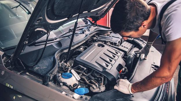 Napovedi za nemško avtomobilsko industrijo so se julija vnovič izboljšale (foto: Profimedia)