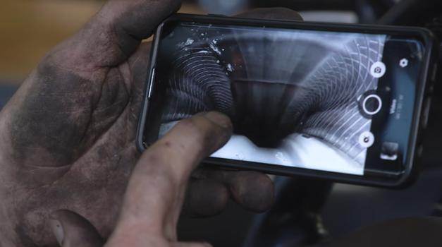 Kaj se dogaja znotraj pnevmatike med vožnjo (video) (foto: Youtube: Warped Perception)