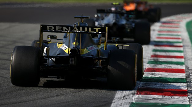 Formula 1 - Fernando Alonso bo sedel v dirkalnik moštva Alpine F1 (foto: Renault)