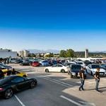 Streho parkirne hiše Cityparka zavzelo 70 jeklenih lepotcev (foto: PROMO)