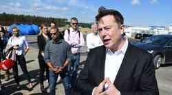 Vlagatelji nezadovoljni z Muskovim 'Baterijskim dnevom', vrednost podjetja upadla za več deset milijard evrov