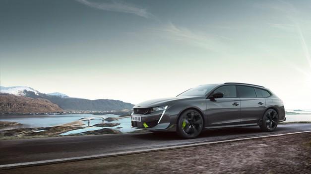 Peugeot 508 športno podobo opravičuje tudi z 'vsebino' (premiera) (foto: Peugeot)