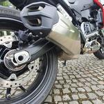 Zavore so vrhunske, detajli na motociklu pa zanimivi in so dodano vrednost celega paketa. (foto: Peter Kavčič)