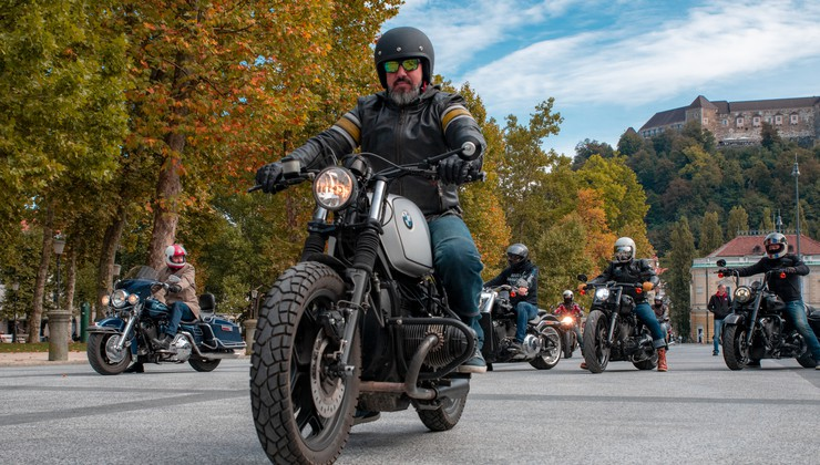(Brkata) ugledna gospoda tudi letos na motorje v boju proti raku