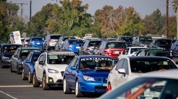 Parada avtomobilov Subaru, ki je podrla svetovni rekord (foto: Subaru USA)