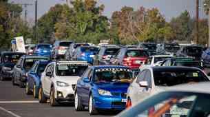 Parada avtomobilov Subaru, ki je podrla svetovni rekord