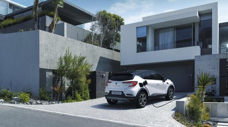 Povsem uporaben je priključni hibrid za tiste, ki imajo možnost polnjenja iz domače (stenske) polnilnice. (foto: Renault)