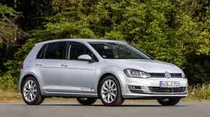 Volkswagen Golf preobražen v dirkalnik za driftanje? Da in to na Finskem! (video)