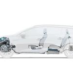 Celoten hibridni sistem je v Megana E-Tech vgrajen tako, da ne zmanjšuje prtljažnega prostora niti ne omejuje potnikov (baterija je pod zadnjimi sedeži). (foto: Renault)