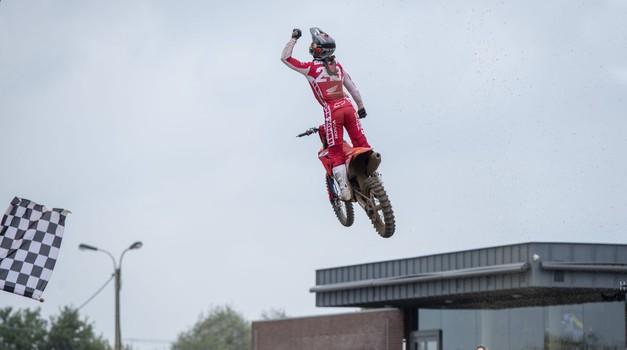 Tim Gajser četrtič okronan za najboljšega motokrosista sveta (foto: Bavo Swijgers (HRC))