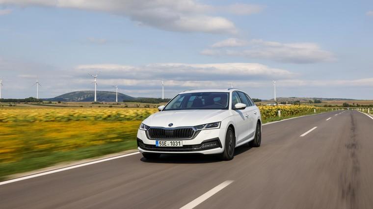 Blagi hibrid lepo dopolnjuje in nadgrajuje predvsem litrski trivaljnik. (foto: Škoda Auto)