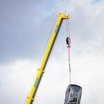 Volvo v imenu varnosti iz 30 metrov na tla pometal več povsem novih vozil (video) (foto: Volvo)