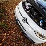 Najmočnejši motor tudi zapriseženih ljubiteljev bencinskih hlapov ne pusti ravnodušnih. (foto: Uroš Modlic)