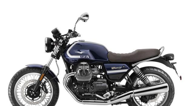 Moto Guzzi V7 850 (2021) - odslej z večjim in močnejšim motorjem (foto: moto guzzi)