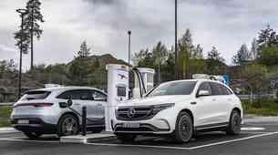 Subvencije za električne avtomobile znova znižane, najbolj na udaru kupci najcenejših avtomobilov