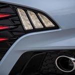 Hyundaievi oblikovalci še predobro vedo, kakšen učinek imajo rdeča barva in dodatki na končno podobo. (foto: Uroš Modlic)