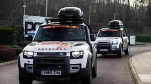 Na bližajočem Dakarju tudi dva povsem serijska Land Rover Defenderja