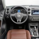 Notranjost vizualno že nosi breme let, vendar je zaradi kakovostnih materialov občutek še vedno zelo svež. (foto: Volkswagen)
