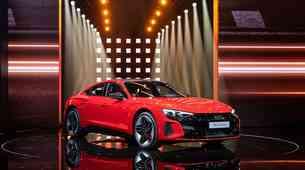 Svetovna premiera: Audi e-tron GT - Porschejevemu Taycanu diha za ovratnik ...