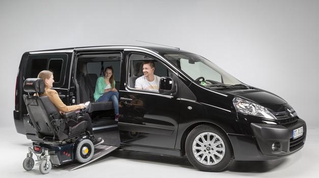 Vgradnja klančine za invalidski voziček spada med manj zahtevne prilagoditve vozila. (foto: Citroen)