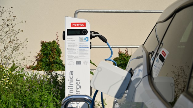 Bo Petrol rešil težavo pomanjkanja električnih polnilnic? (foto: Petrol)