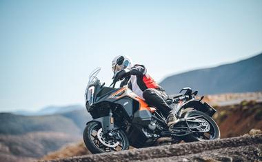 Vozili smo: KTM 1290 Super Adventure S - premierno z radarskim tempomatom ki je boljši kot v avtomobilih