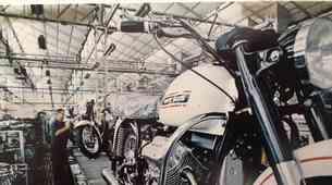 100 let znamke Moto Guzzi– zgodba o orlu z razprtimi krili