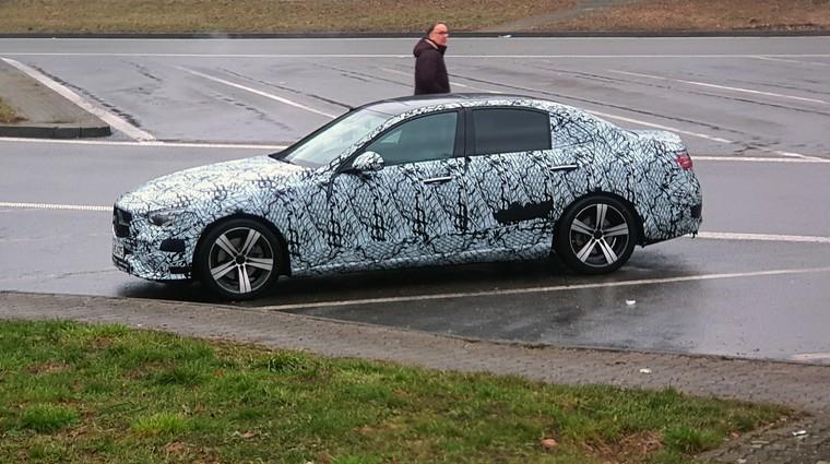 Mercedes-Benz razred C - kaj vemo o prihajajočem novincu? (prvi predogled) (foto: Urban Vitez)