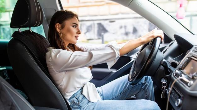 Sedenje v avtomobilu - Samo zdravo je tudi varno (foto: Profimedia)