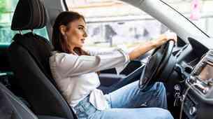 Sedenje v avtomobilu - Samo zdravo je tudi varno