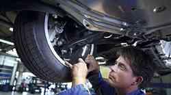 Avtomobilskim trgovcem in serviserjem prekipeva, zahtevajo sodelovanje z vlado