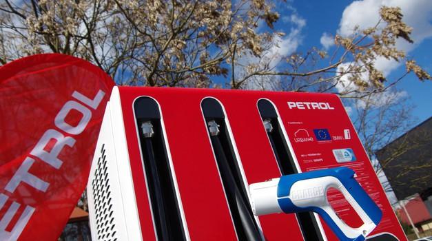 Ponudba novih ultra hitrih električnih polnilnic se veča, po Ionity-ju tu tudi prva domača (foto: Petrol)
